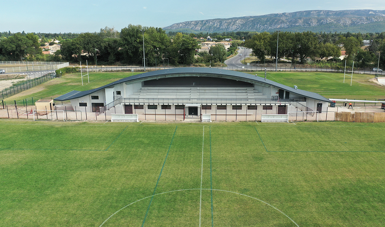 TRIBUNES STADE CAPELLETTE